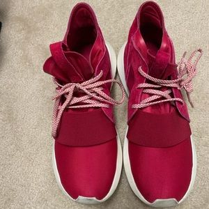 Adidas Tubular sneaker. Women's